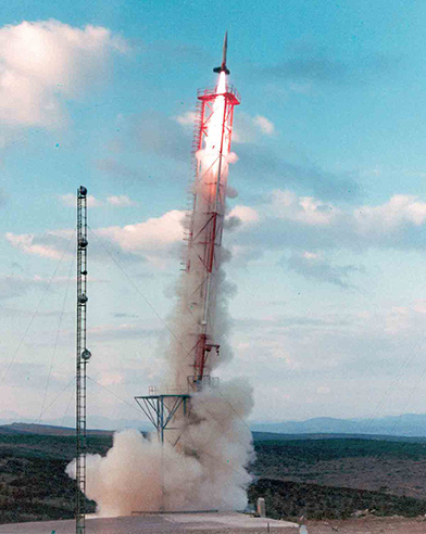 27. Oktober 1967: Start der ersten Schweizer Zenit-Rakete in Sardinien mit den wissenschaftlichen Instrumenten der Universität an Bord.